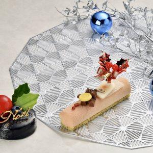"""おひとりさまサイズが急増!【東京】ホテルが作る贅沢""""ミニ""""クリスマスケーキ3選"""