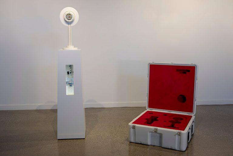 アート部門大賞のアダム・W・ブラウンさんによる『[ir]reverent: Miracles on Demand』。