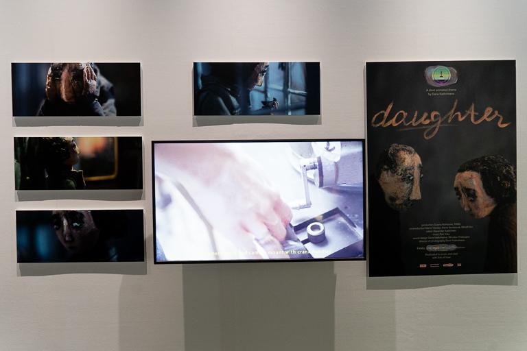 アニメーション部門新人賞のダリア・カスチーパさんによる『Daughter』。制作風景の動画も見られます。
