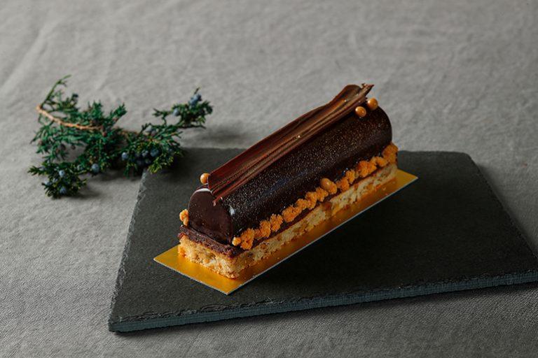 「プティノエル コレクション ミルクチョコレートとビターチョコレート ブッシュドノエル」2,800円。
