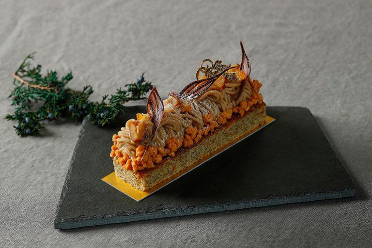 「プティノエル コレクション オレンジケーキ & マロンクリーム モンブラン仕立て」2,900円。