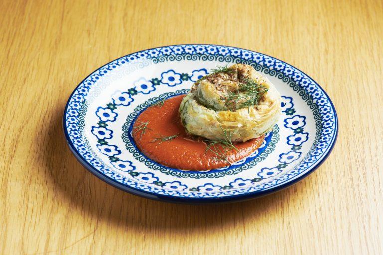 ケール、フェタチーズ、ハーブをパイで包んだSalam流「スピナコピタ」1,450円
