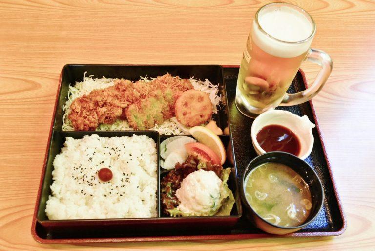 「そのまま一本ヒレカツ御膳」(1,390円)、「キリン一番搾り 生ビール」(中ジョッキ 620円)。