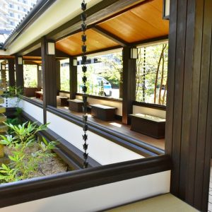 開放的な「自然浴テラス」。