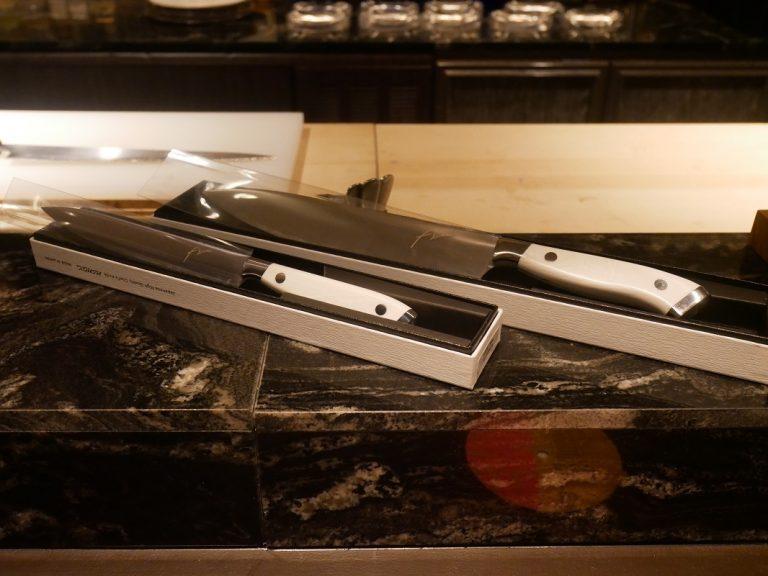 牛刀とぺティーナイフ。