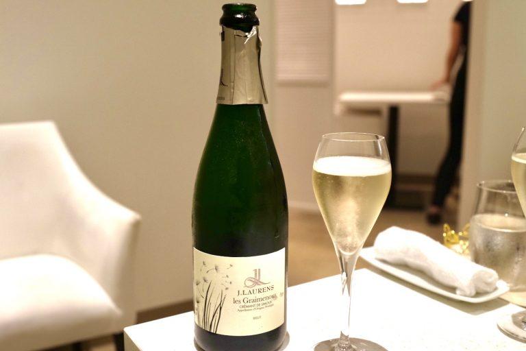 乾杯時にいただいたフランス・ラングドックのスパークリングワイン「Crémant de Limoux Les Graimenous Brut」。