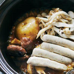 【POINT】焼いた野菜とソーセージをのせて。
