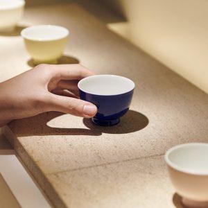 茶器は全て〈Medicha〉のためにデザインされたもの。カップを選んで、日常に戻る前のひと時を。