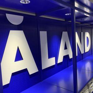 韓国発の人気セレクトショップ 〈ALAND〉がオープン!旅行気分で韓国トレンドを楽しもう。