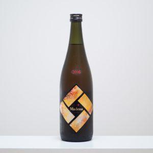 宮城県大崎市の「一ノ蔵」のスペシャルな一本。鳴子温泉の温泉熱を活用して加温熟成させた、今までにない熟成酒。
