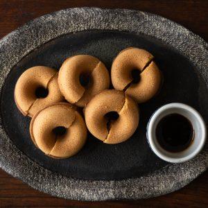 塩ドーナツはワインにも、日本酒にも合います。