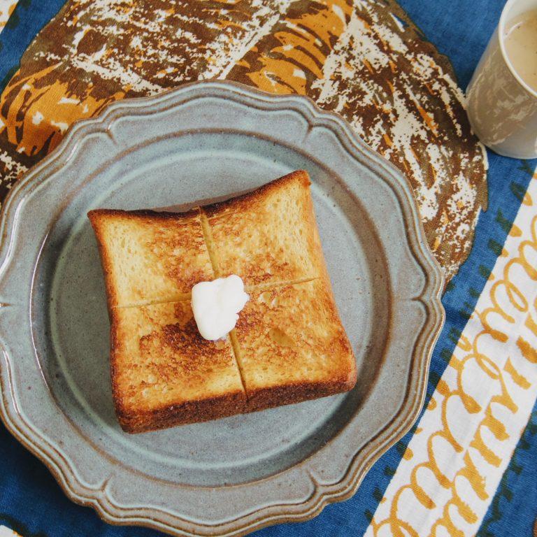 「フィナンシェ食パン」。