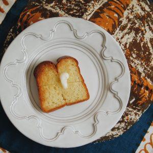 「ブリオッシュ食パン〜乳と卵の贅沢三昧〜」。