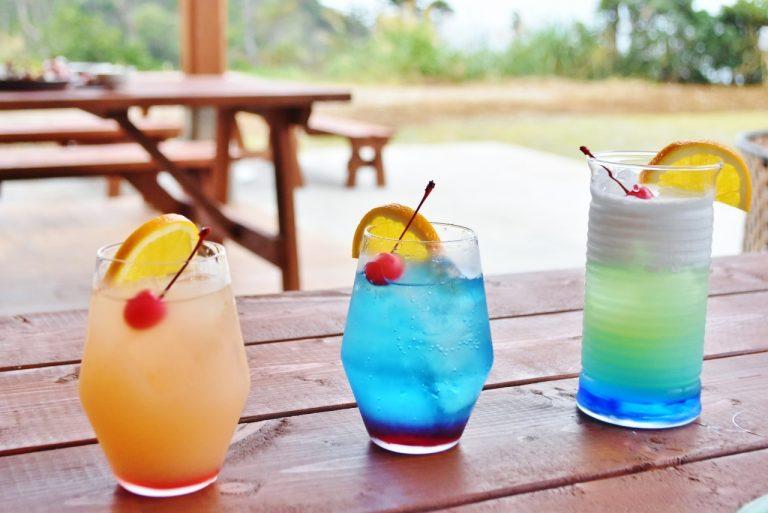 アジアンリゾートといえばトロピカルなカクテル。