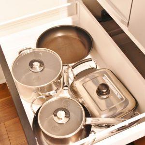 調理器具も一通り揃っています。