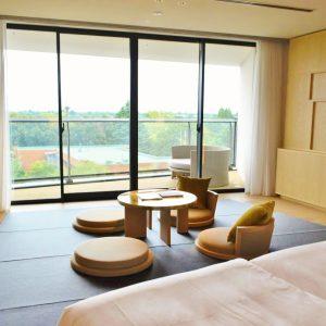 緑を眺めながら和室でホッコリ癒しのティータイムも素敵。