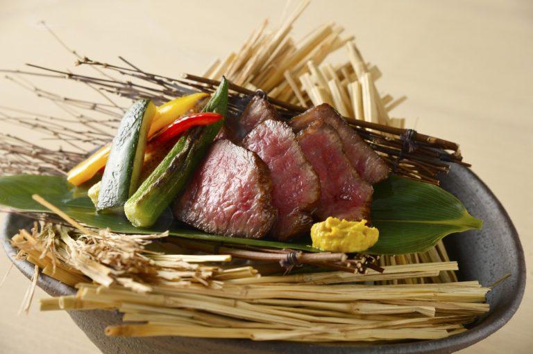 食材の生産者や品質の良さがわかるメニューを提供。