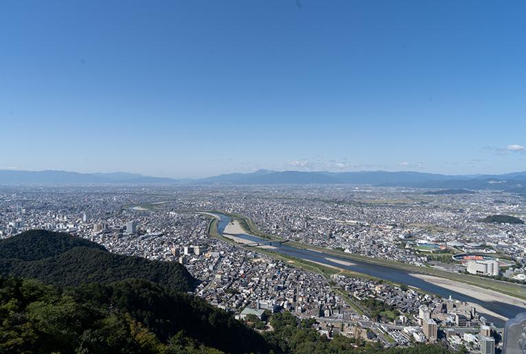 岐阜城からの眺め。織田信長も城下を眺めながら、天下統一を構想したのかも。