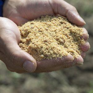 お米や野菜の肥料に使われる「米の精」。