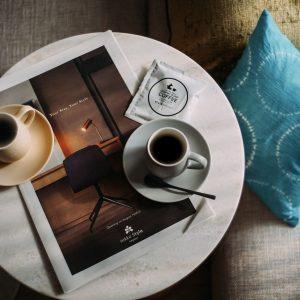 #部屋でも本格コーヒー #クッションカバーは有松絞り #Trunk Coffee