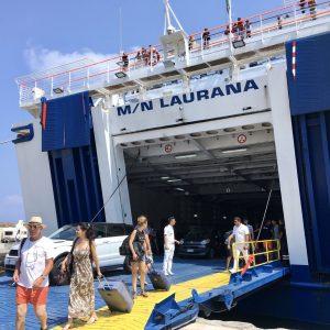 翌日14:00、ヴルカーノ島に到着!島生活の始まりです。