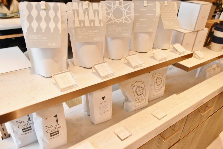 日本全国の同じポリシーを持ったロースターのコーヒー豆も購入できる。