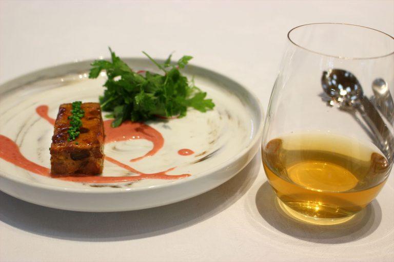 香草サラダを添えた鴨のテリーヌ/Margaret's Hope Darjeeling Black 90℃60sec。