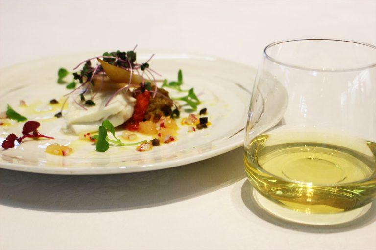 日本酒を使った平目のヴァプール 柑橘とオリーブのソース/Alishan Oolong 95℃360sec。