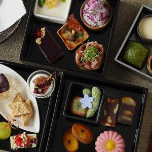 〈パレスホテル東京〉×和菓子屋〈鍵善良房〉のアフタヌーンティーで京の秋を満喫。