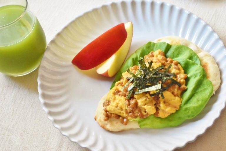 ナンのモチモチ食感とふわふわの納豆卵とよく合う!