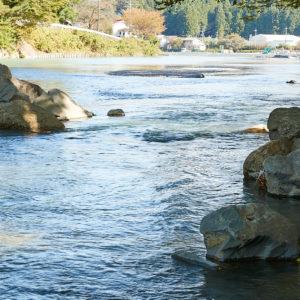 透明度の高い川で、ぜひ一度深呼吸を。