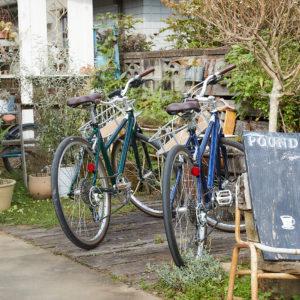 入り口には、自転車用の駐車置き場があるので安心。