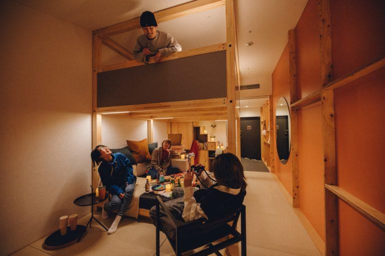 「ヤグラルーム」(3名用)。1泊1室2名利用時、1名あたり6,000円~。