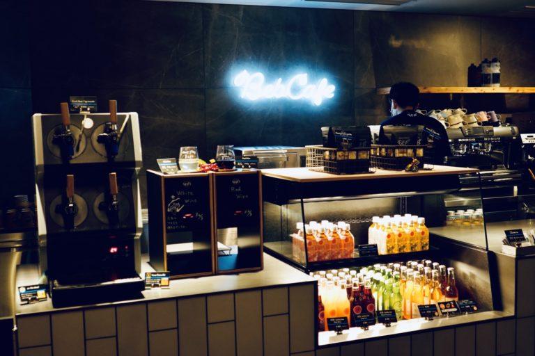 パブリックスペース〈TAMARIBA〉併設のカフェ。