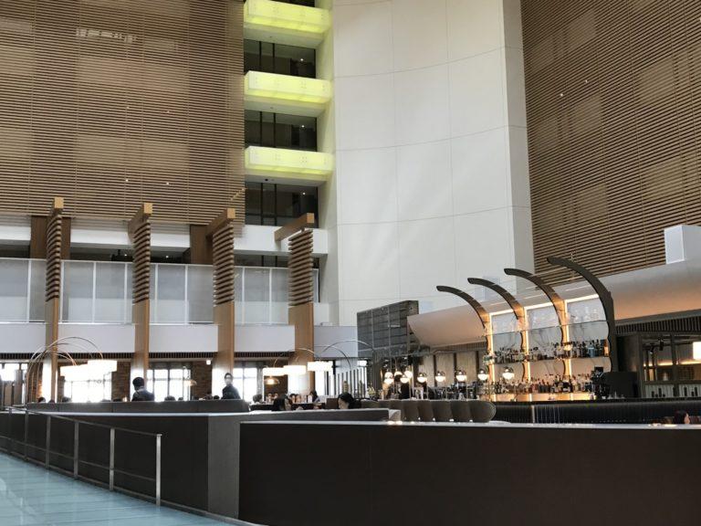 〈ストリングスホテル東京インターコンチネンタル〉