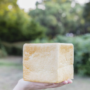 パン・ド・ミ400円。もちもちの食パン。高脂肪の北海道産バター使用で、風味のちがいは歴然。