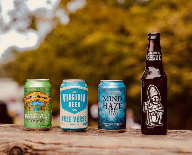 写真左から「Sierra Nevada Pale Ale(シエラネバダ ペール エール)」「Free Verse(フリーヴァース)」「Mind Haze (マインド ヘイズ)」「Dead Guy Ale (デッドガイ エール)」。