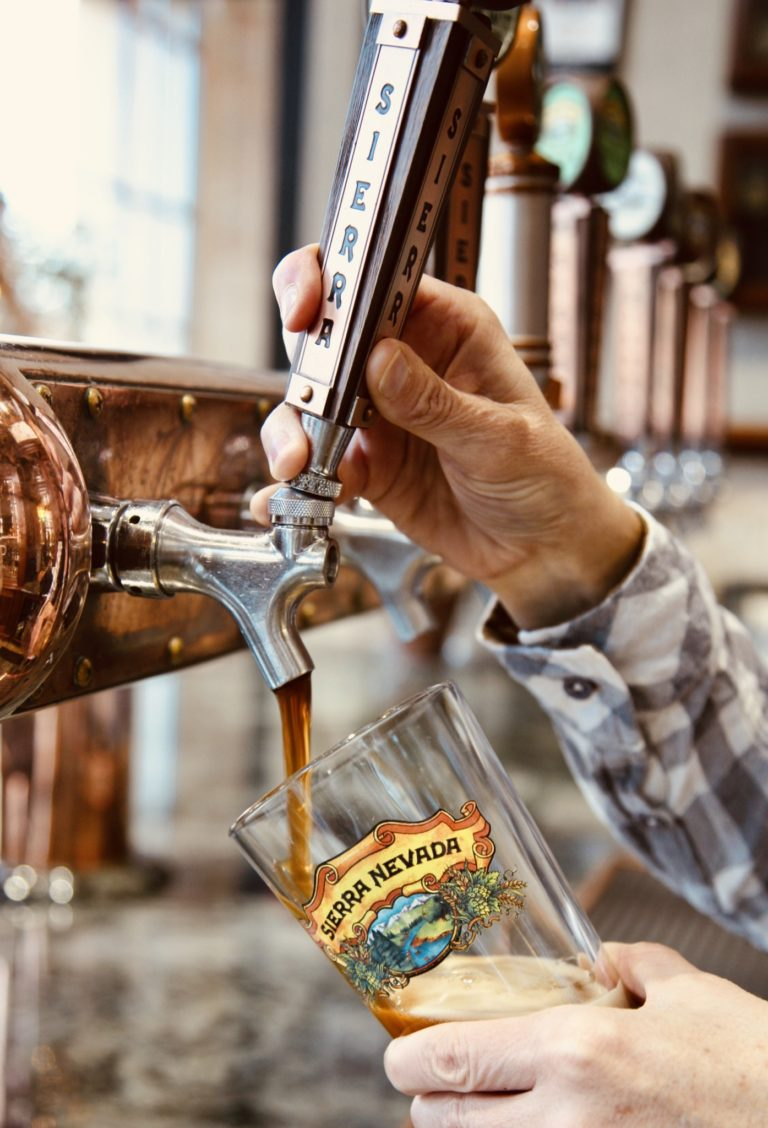 「Fresh From The Brewery」がモットー。飲む直前まで、100%完全低温冷蔵輸送で徹底した品質管理を行っています。