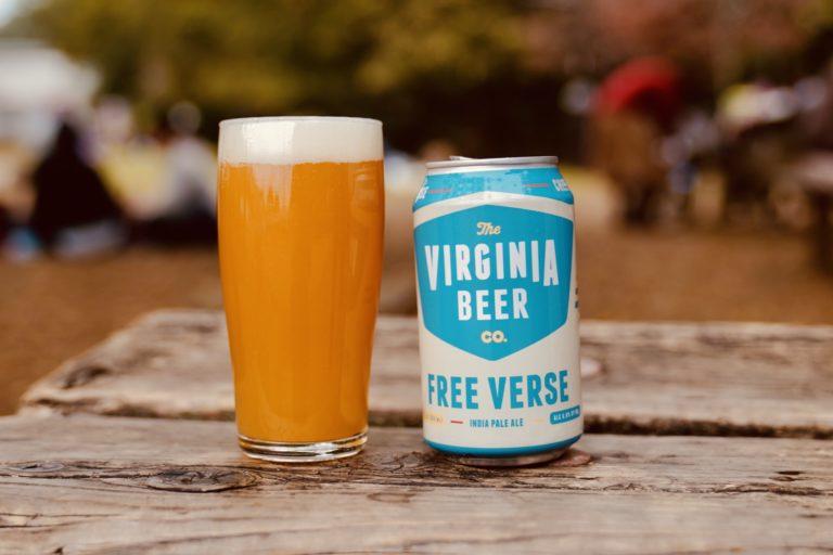 「Free Verse(フリーヴァース)」。ふんだんに使われたアザッカとチノックホップによって、トロピカルでみずみずしく濃厚な味わいに。
