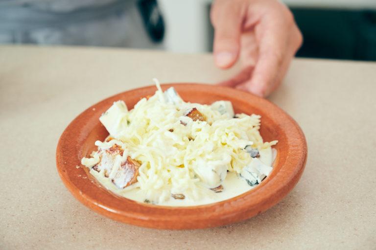 「かんころ餅とゴルゴンゾーラチーズのグラタン・ドフィノワ」200917_HN13315