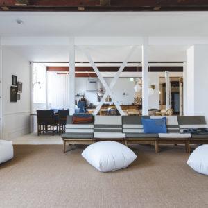 館内を彩る北欧ヴィンテージ家具も。