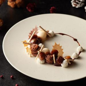 「クリスマスリース モンブラン 栗 コーヒーとオーガニックチョコレート」。