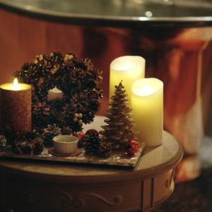 クリスマス気分が高まる演出も。