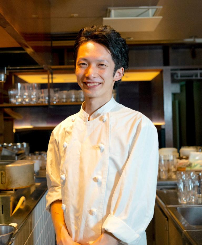 7年連続掲載店〈Ostu(オストゥ)〉の元シェフ・桐山淑雅さん。同店ではイタリアンを提供。