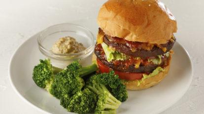 おいしく食べて社会貢献できる!地球と体にやさしい代替肉グルメ&量 …