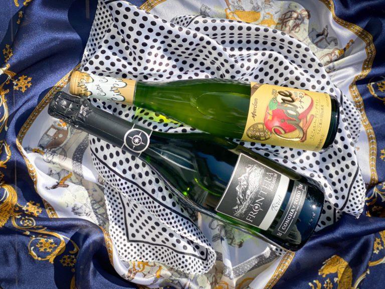 〈メルシャン〉おいしい酸化防止剤無添加ワイン シードル with シナモン(上)、フロンテラ プレミアム スパークリング(下)