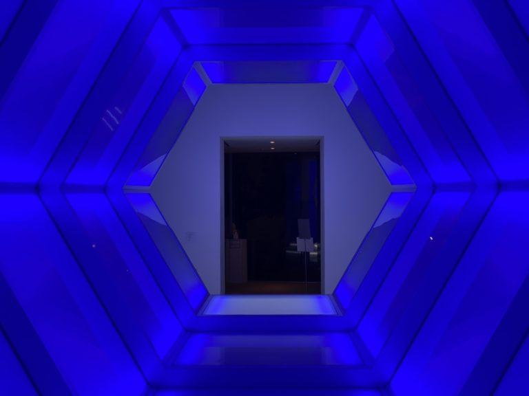 十和田市現代美術館 アナ・ラウラ・アラエズ 光の橋