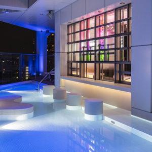 渋谷〈MIYASHITA PARK〉ホテル最上階にエンターテイメントレストラン&バー〈SOAK〉がオープン。