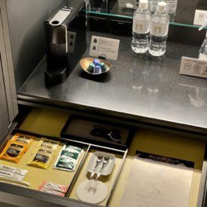 客室にはネスプレッソのコーヒーマシンを完備。