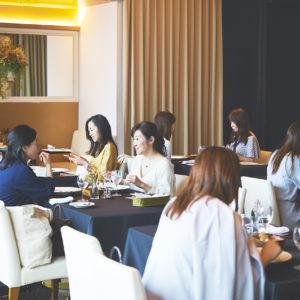 最近では、安原伶香さんがブランドプロデュースに携わったダイニングレストランバー〈AURUM +truffle〉にて、特別コースを体験。
